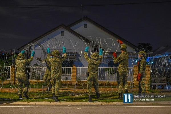 突增26确诊病例 军警漏夜封锁灵市旧区