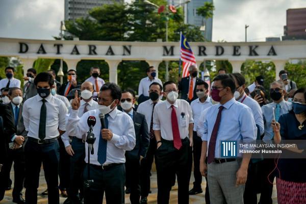 希盟国会议员齐聚在独立广场抗议逾1小时。(摄影:Hasnoor Hussain)