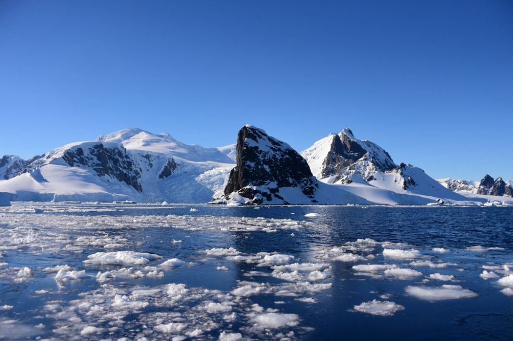 Antarctica temperature hits record 20C