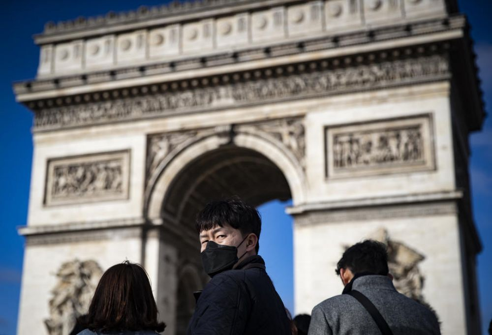 New Chinese coronavirus cases show slight fall; Chinese tourist dies in France