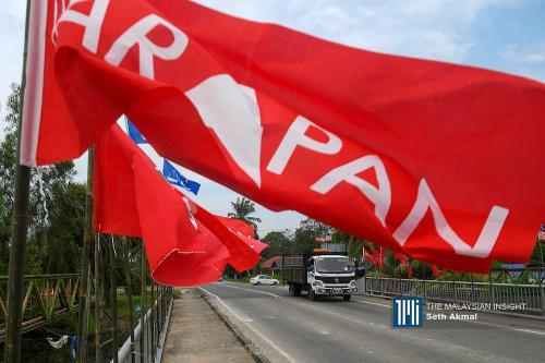 Pakatan government due to fall following Bersatu, PKR11's exit