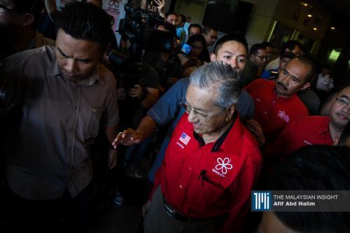 Malaysia di kancah krisis lepas Dr M letak jawatan