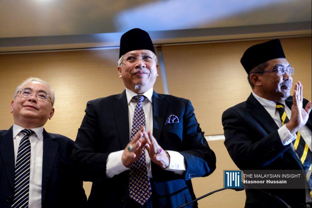 巫统总秘书安努亚慕沙说,他们向国家元首建议解散国会,重新举行选举。(摄影: