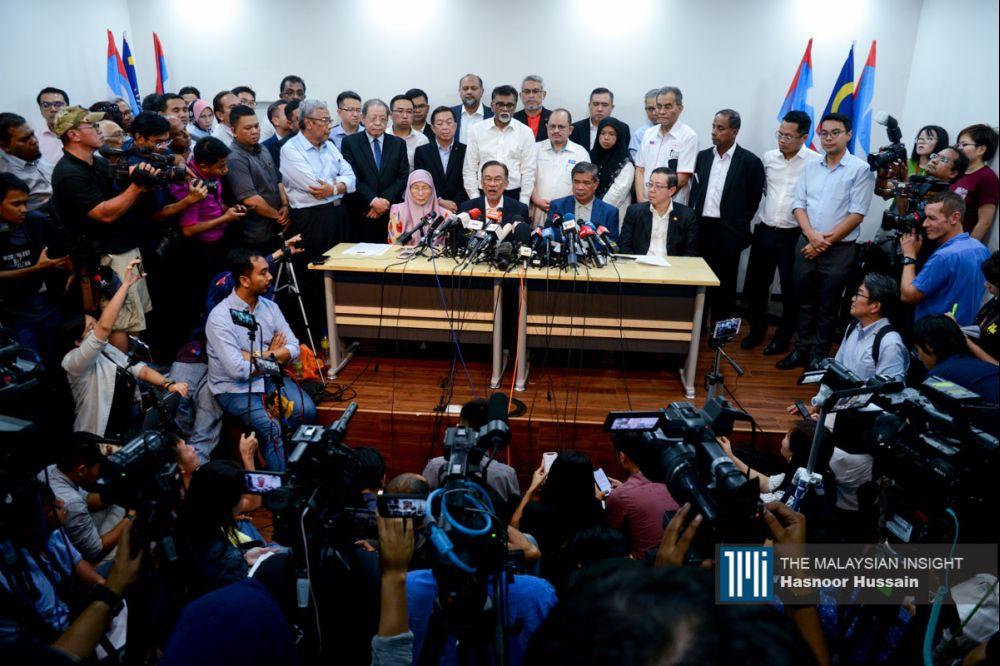 希盟在过后也证实,已经从支持马哈迪转态为支持安华为他们属意的人选。(摄影:Hasnoor Hussain)