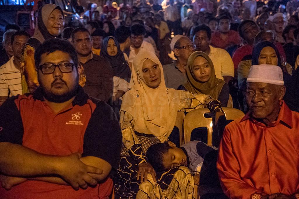 """政治分析员认为,巫统与伊党合作""""全民和谐""""(Muafakat Nasional)已取得奏效,来届大选巫统至少可以赢得比第14届全国大选更多的议席。(档案照:透视大马)"""