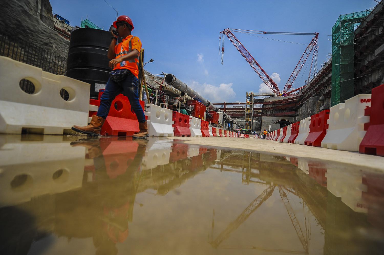 慕斯达法说,从今年6月迄今已颁发总值70亿令吉的251项发展计划招标,有133项招标项目尚未颁发。(档案照:透视大马)