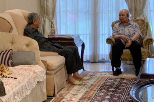 拟推跨党派联合政府   马哈迪见姑里末沙布及国盟部长