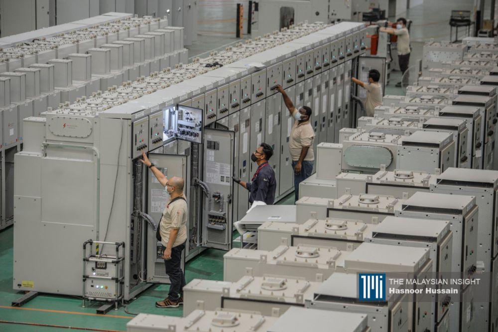 万一高度依赖原产品和加工品出口的马来西亚遭遇这些国家的制裁,各个企业必会面对冲击。(档案照:透视大马)