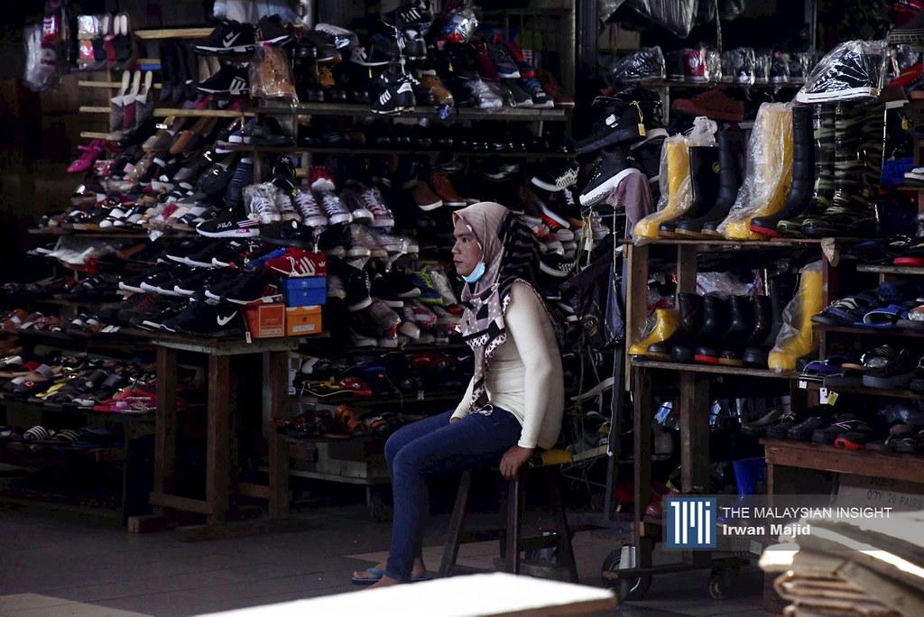 由于消费者习惯是试穿鞋子才购买,所以电商渠道帮助不大,销售额占5%左右。(档案照:透视大马)