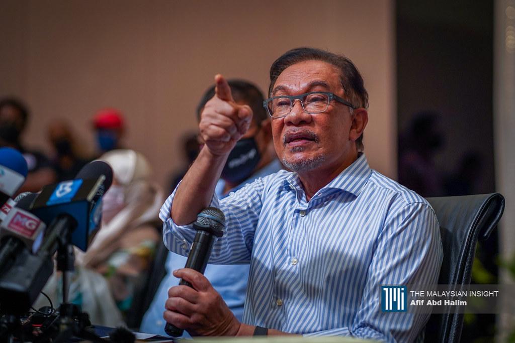 公正党主席安华已表明希盟的人数,不存在新的跳槽者。(档案照:透视大马)