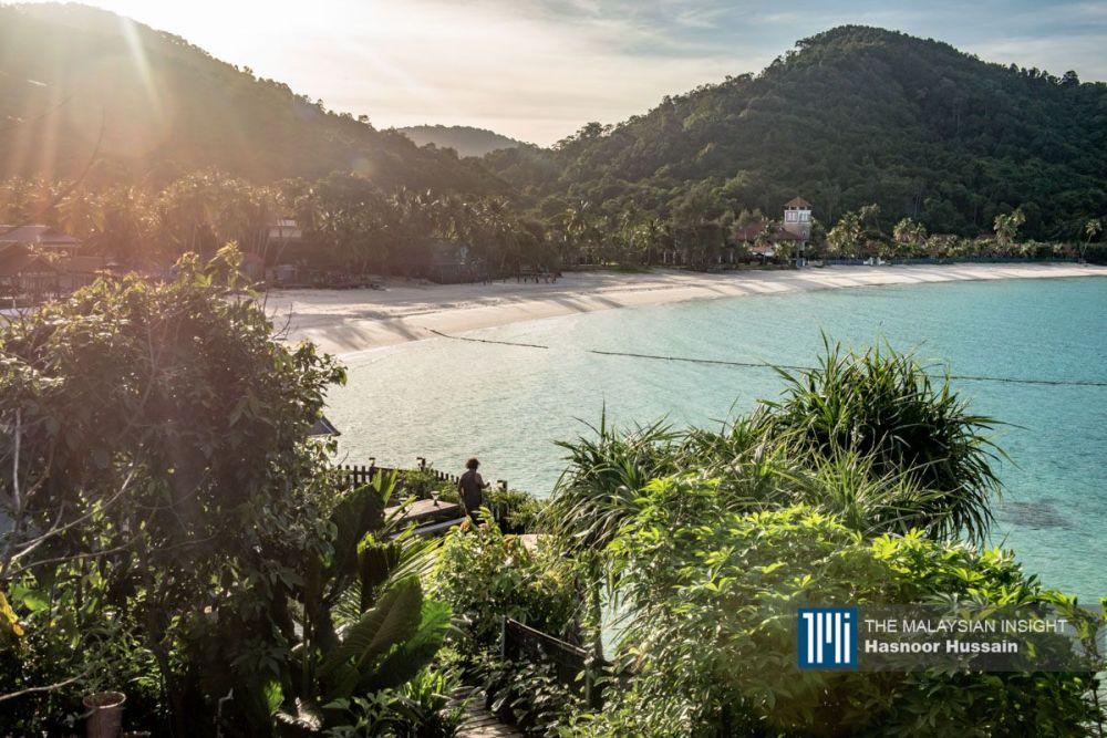 Aktiviti pelancongan di Pulau Perhentian dan pulau peranginan Terengganu terjejas kerana Covid-19. – Gambar Facebook, 23 Ogos, 2021.