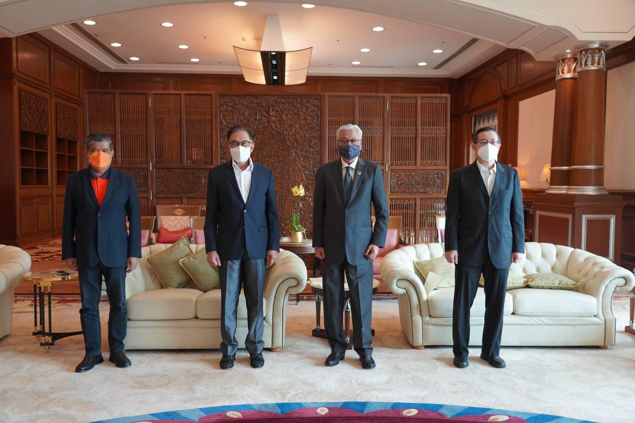 首相依斯迈沙比里(右二)与希盟领袖会面,长达一个小时。(图:首相办公厅提供)