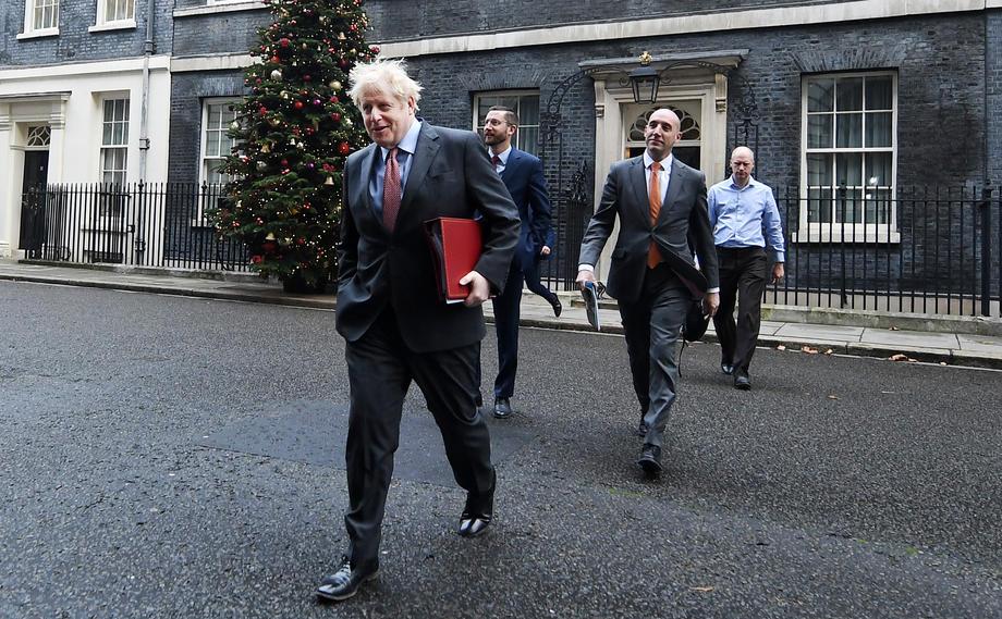 英国的正部长正式称谓是Secretary of State,也就是内阁大臣;其直接下属是minister,即部长。(图:欧新社)