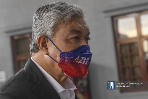 扎希挪用健思基金购巴厘岛酒店  辩方抗议与案件无关