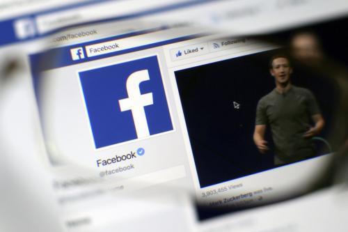 涉干涉美国选举 脸书删除155个中国假帐号