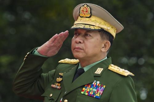 缅甸成立看守政府 敏昂莱任国家总理