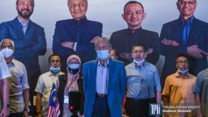 马哈迪成立斗士党 广邀憎恨贪腐人士加入!